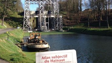 Les ascenseurs du Canal du Centre, un des sites classés par l'Unesco mis à l'honneur dans cet ouvrage
