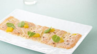 Carpaccio de saumon de Norvège aux fruits de la passion