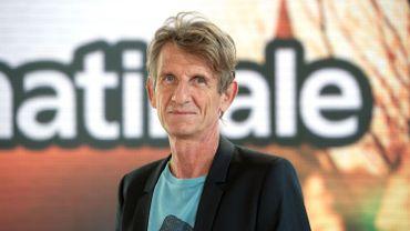 """Ancien chroniqueur de """"La Matinale"""" sur Canal +, le journaliste Léon Mercadet est mort dimanche 22 juin à l'âge de 64 ans"""