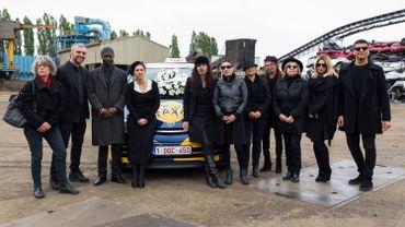 Une partie de l'équipe de Hep Taxi!