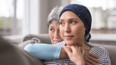 Cancer du sein: l'hormonothérapie plus néfaste pour la qualité de vie des patientes que la chimiothérapie.