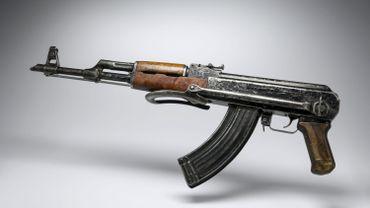 Paris: les renseignements savaient que des djihadistes cherchaient des armes