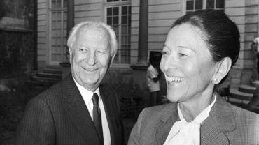 L'ancien maire de Marseille Gaston Defferre et sa femme l'écrivain Edmonde Charles-Roux en 1983