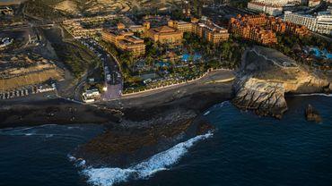 Une Britannique, qui séjournait dans l'hôtel H10 Costa Adeje Palace à Tenerife, a été testée positive au nouveau coronavirus.