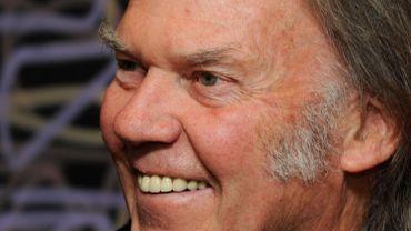 Neil Young retire les connexions via Facebook et Google de son site web