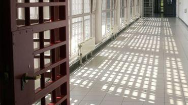 Les avocats pointent la surpopulation carcérale comme cause de ce taux de suicide élevé