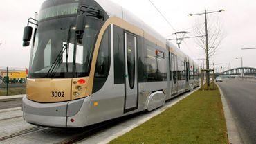 Déraillement d'un tram après une collision avec une camionnette à Koekelberg