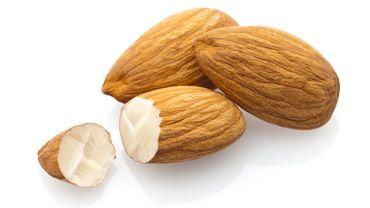 Moins de graisse abdominale grâce aux amandes