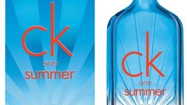 """Calvin Klein lève le voile sur l'édition 2017 de """"CK One Summer"""""""