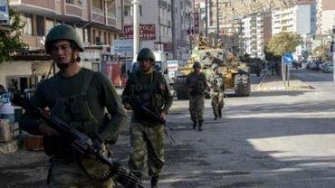 Turquie: un kamikaze de l'EI se fait exploser dans le sud-est, 5 policiers blessés