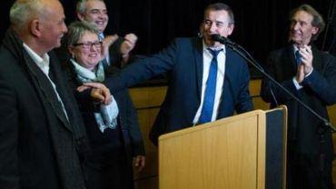 France: le PS revendique la victoire face à l'extrême droite dans une législative test