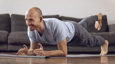 Fitness : 3 idées de programmes à suivre pour s'entraîner chez soi.