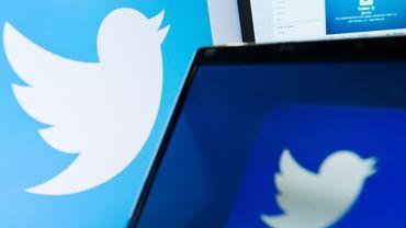 """Le réseau social a annoncé mardi l'ajout à son application d'une fonction """"Ajouter un autre tweet"""", permettant de composer un fil de tweets qui seront affichés en même temps."""