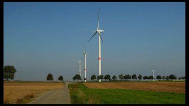 A Perchepai, 20 personnes s'opposent à la construction d'un parc éolien.