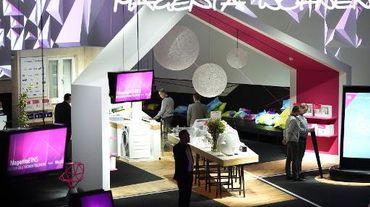 Stand aménagé en maison de Deutsche Telekom au salon IFA de Berlin, le 5 septembre 2014