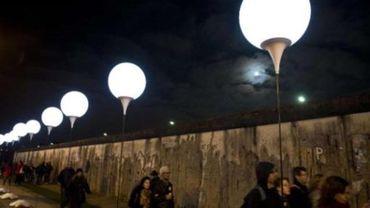 Barack Obama appelle le monde à retenir les leçons de la chute du Mur de Berlin