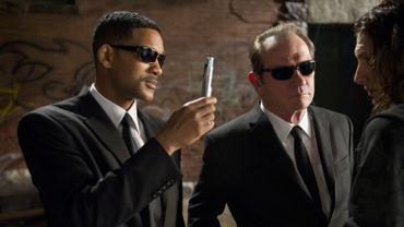 Will Smith et Tommy Lee Jones incarnent les agents J et K dans les trois volets de la série.