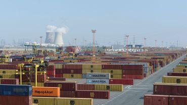 Le premier gros porte-conteneurs bloqué dans le canal de Suez est arrivé à Anvers