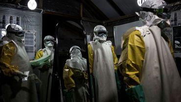 Du personnel médical dans une unité de traitement du virus Ebola, le 3 novembre 2018 à Butembo, en RDC