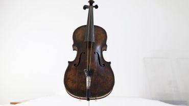 Le violon appartenait à Wallace Hartley, à la tête de la petite formation instrumentale du Titanic