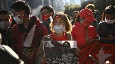 """Coup d'Etat en Birmanie: Aung San Suu Kyi exhorte la population à """"ne pas accepter le coup d'Etat"""""""