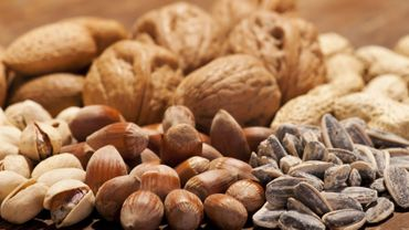 Consommer des fruits à coque réduit de plus de 40% le risque de récurrence du cancer colorectal