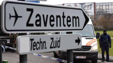 Des proches de victimes néerlandaises de l'attentat-suicide perpétré à Brussels Airport veulent renvoyer l'aéroport devant un tribunal.
