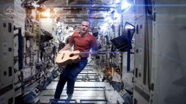 L'astronaute canadien Chris Hadfield a enregistré un clip à bord de l'ISS