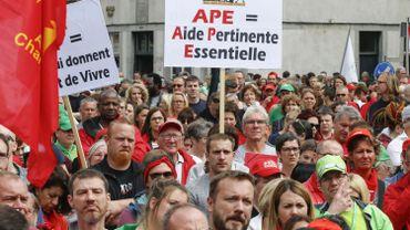 Débat de procédure tendu, en commission du parlement wallon, sur la réforme des APE