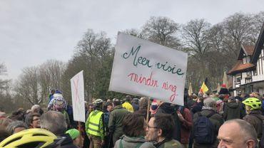 Quelques centaines de personnes manifestent à Jette contre l'élargissement du Ring