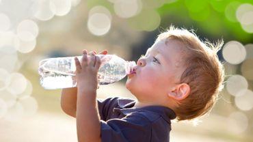 Enfants : 5 conseils pour bien les hydrater