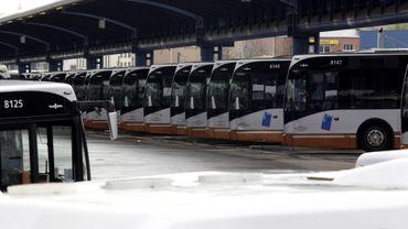 La Stib dispose actuellement de trois dépôts de bus : Haren, Delta, gare de l'Ouest.