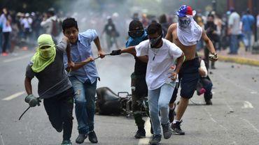 Des manifestants antichavistes dans les rues de Caracas le 30 juillet 2017