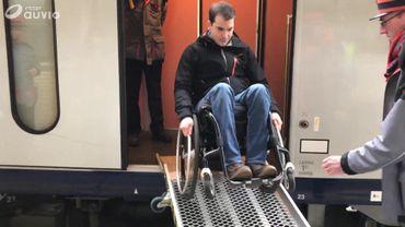 Voyager en train de façon autonome reste impossible pour les personnes à mobilité réduite