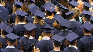 Le magazine scientifique néerlandophone EOS a découvert dans notre pays des dizaines de fausses universités dans lesquelles on peut acheter un diplôme sans avoir jamais suivi une leçon.