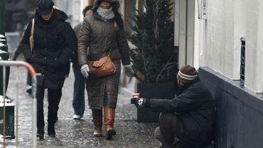 La commune d'Etterbeek a adopté un règlement qui limite à quatre le nombre de mendiants maximum par artère commerciale