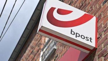 """Bpost propose désormais """"l'enlèvement local"""" aux commerçants"""