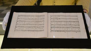 La cantate signée en commun par le compositeur autrichien Wolfgang Amadeus Mozart et le musicien italien Antonio Salieri