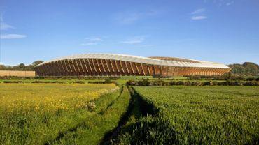 Ce stade de football, entièrement fait de bois, est signé par le bureau Zaha Hadid Architects