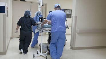 Cancer : retarder les traitements même d'un mois accroît le risque de mortalité, selon une étude.