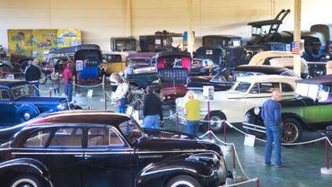 La balade de Carine : Mahymobiles, le musée de l'auto de Leuze-en-Hainaut.