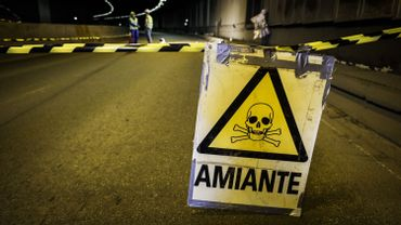 La Flandre veut se débarrasser de l'amiante, rien de tel prévu en Wallonie