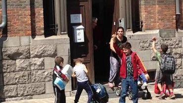 Un bus pour permettre aux familles Roms de ne pas rester à la rue