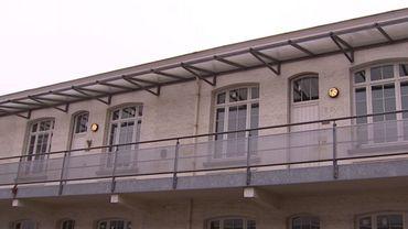 """Le """"Zorghostel"""" à Anvers, permet les drogues dans les chambres: une salle de shoot qui ne dirt pas son nom"""