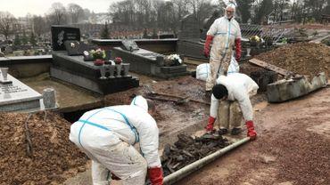 Exhumer un cadavre, un tâche parfois pénible