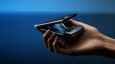Motorola dévoile officiellement le nouveau Razr doté d'un écran flexible