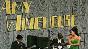 """Cannes 2015 - La famille d'Amy Winehouse juge """"trompeur"""" un documentaire sur la chanteuse"""