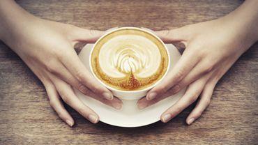 Share a coffee, l'opération caritative d'Exki, vous offre la possibilité d'offrir un café à un sans abri pour seuelement 1€ !