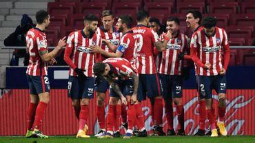 L'Atlético Madrid, avec Carasco, domine Séville (2-0) et prend le large en tête de la Liga.