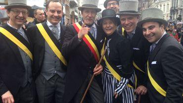 Le carnaval c'est aussi l'occasion de se déguiser pour le collège communal carolo